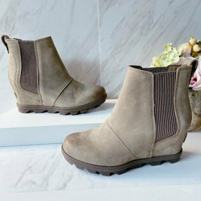 Item - Brown Tan Joan Of Arctic Ii Waterproof Wedge Chelsea Boots/Booties Size US 6 Regular (M, B)