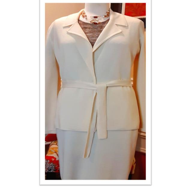 Item - Off White Color Wool Skirt Suit Size 6 (S)