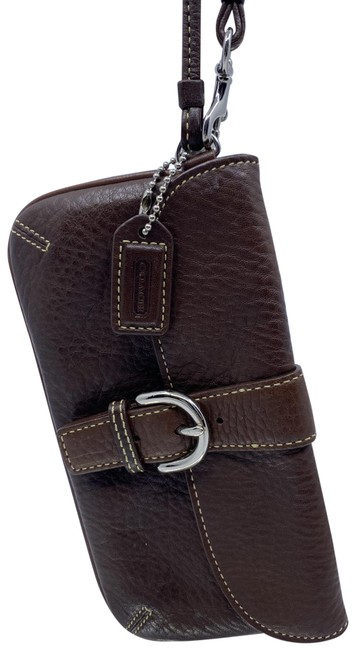 Item - Like New Textured Brown Leather Wristlet