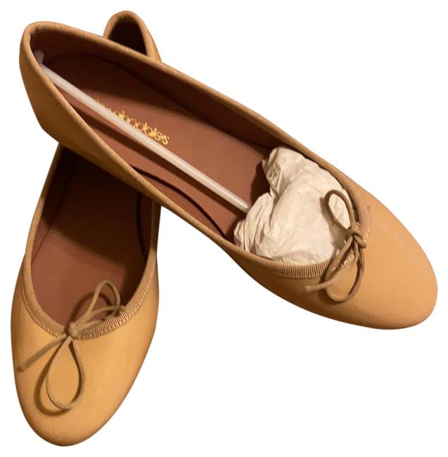 Item - Tan Glossy Finish Looks Like Patent Leather Bloomingdales...white Mountain Kacy Flats Size EU 40 (Approx. US 10) Regular (M, B)