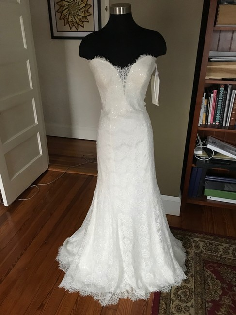 Item - Ivory Lace Charmeuse 9107 Romantic Figure-skimming Gown Feminine Wedding Dress Size 12 (L)