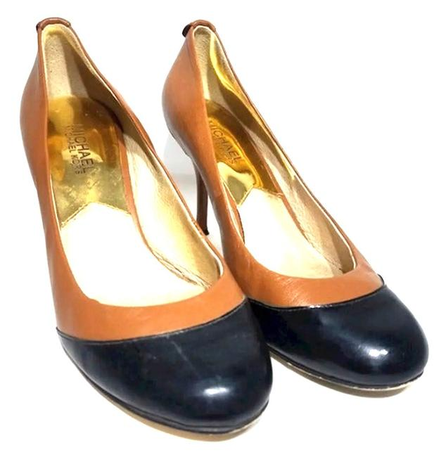 Item - Bi-color Pumps Formal Shoes Size US 7 Regular (M, B)