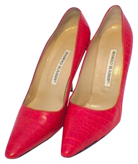 Preload https://img-static.tradesy.com/item/289821/manolo-blahnik-fire-engine-red-alligator-high-pumps-size-us-8-0-0-540-540.jpg