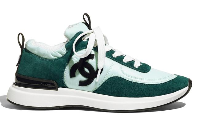 Item - Black 21p Blue Green Suede Cc Logo Lace Up Flat Runner Trainer Sneakers Size EU 38.5 (Approx. US 8.5) Regular (M, B)