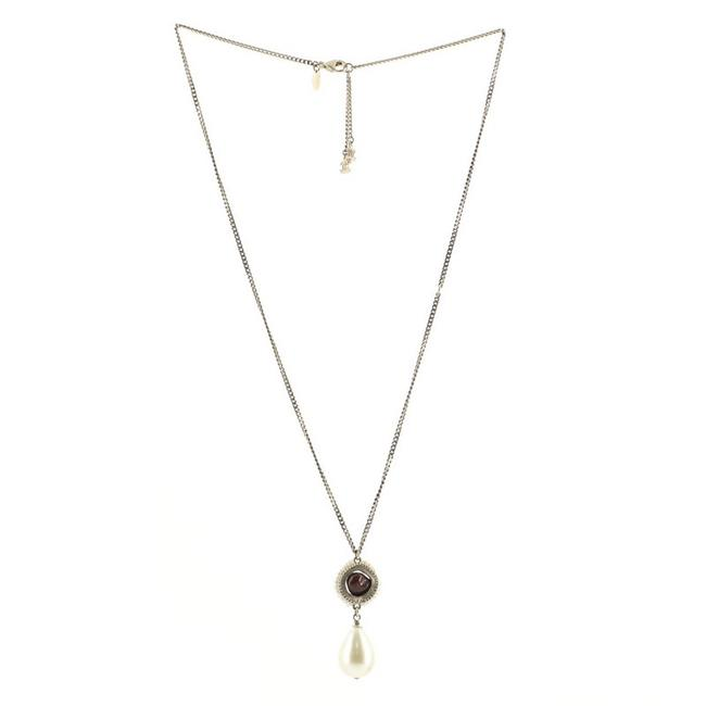 Item - Gold Red Pearl Teardrop Pendant Metal with Resin and Faux Pearl Necklace