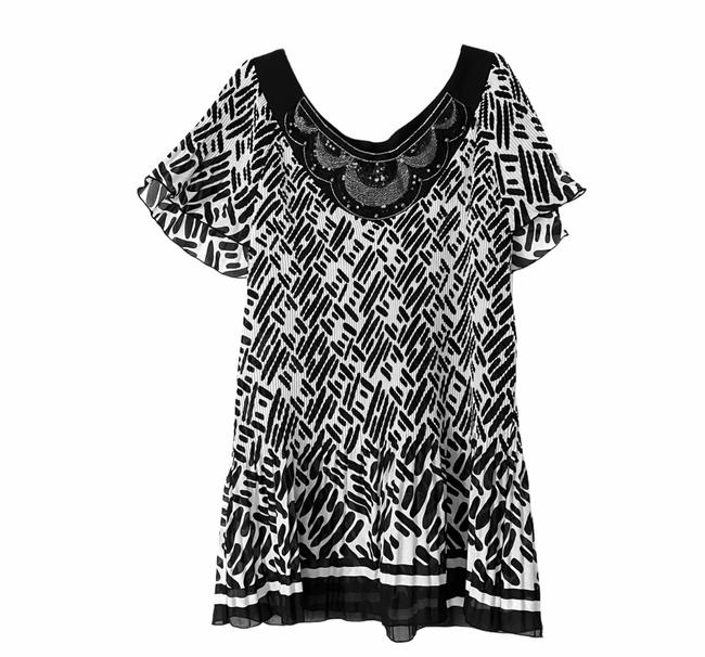 Item - Black White Blouse Size 20 (Plus 1x)