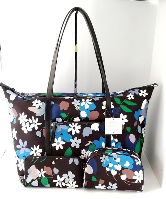 Item - Jae Bold Blooms Set with Wallet and Cosmetic Wkru00422 Multicolor Canvas Weekend/Travel Bag