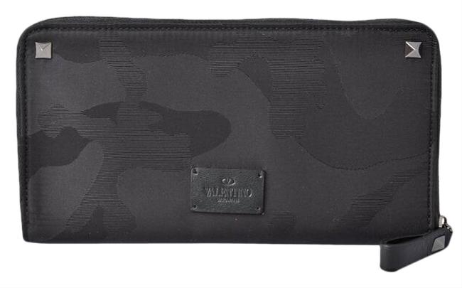 Item - Black / Camouflage / Red Color Purse Rockstuds Round Zipper Multi Wallet