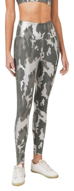 Item - Gray Medium Aph2850 Gun Metal Foil Camo Highwaist Activewear Bottoms Size 8 (M, 29, 30)