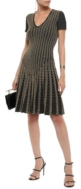 Item - Black Gold Pleated Metallic Jacquard Knit Mid-length Cocktail Dress Size 6 (S)