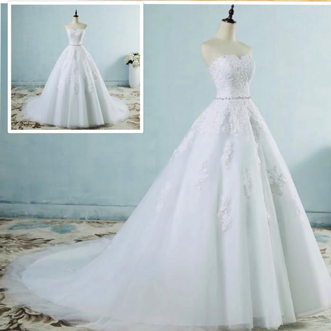 Item - Real Photos Lace Flower Sweetheart White Ivory with Train Standard Or Plus Formal Wedding Dress Size OS (one size)