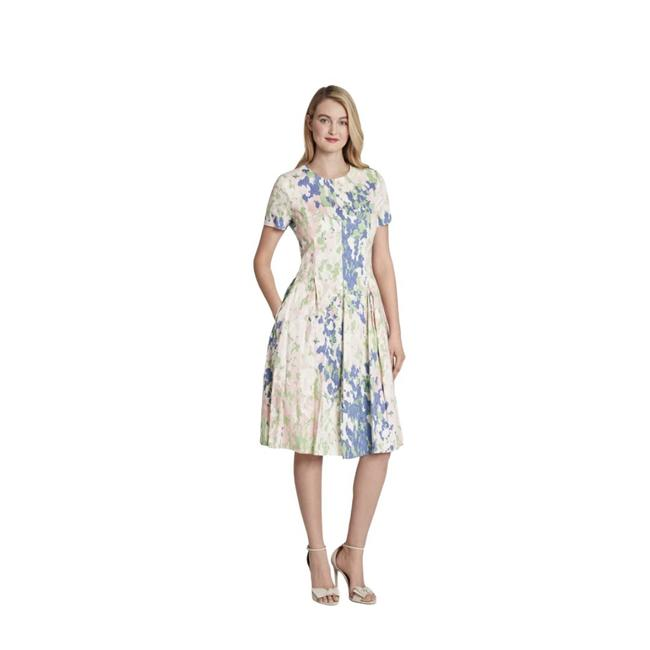 Item - Print Fit and Flare Mid-length Short Casual Dress Size 10 (M)