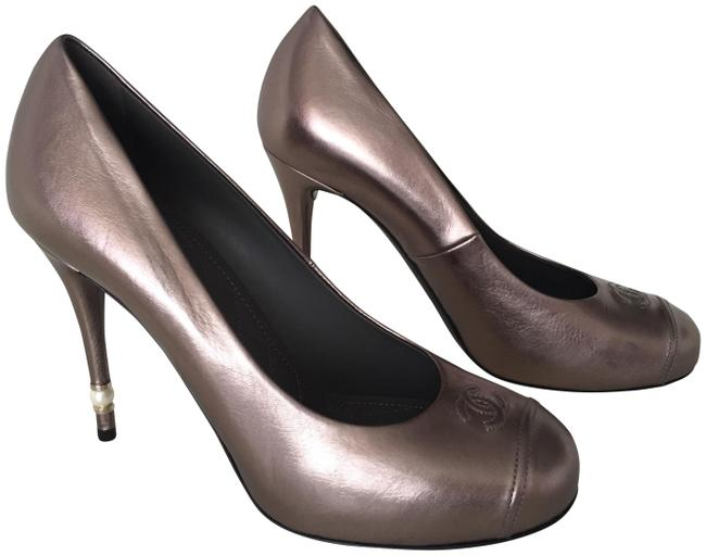 Item - Bronze Lambskin Leather with Pearl Heel Pumps Size EU 38 (Approx. US 8) Regular (M, B)