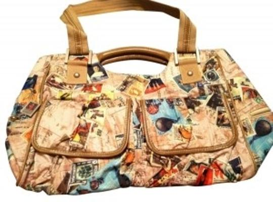 Preload https://item1.tradesy.com/images/sydney-love-passport-stamp-beige-weekendtravel-bag-28995-0-0.jpg?width=440&height=440
