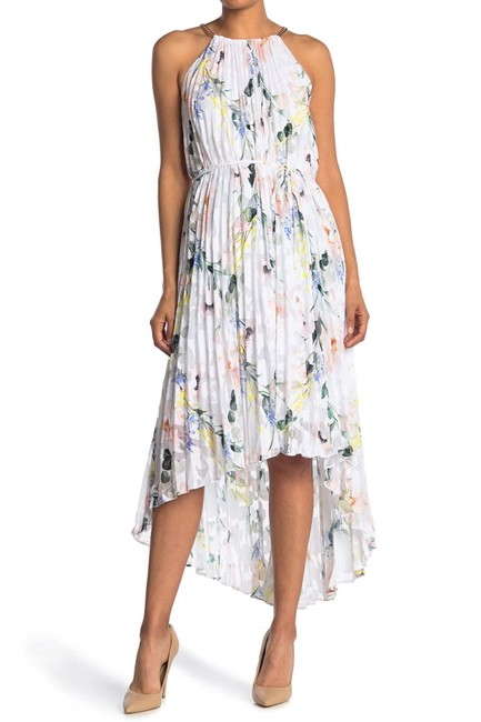 Item - White Valetia Elegance Floral Pleated High/Low Hem Long Casual Maxi Dress Size 8 (M)