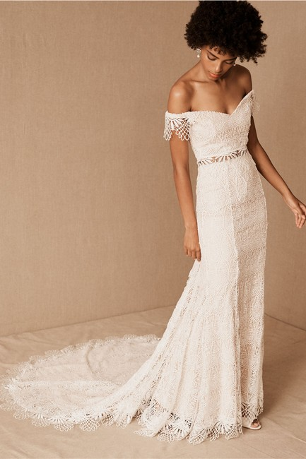 Item - Ivory Nude Lace Daughters Of Simone Ophelia Gown Feminine Wedding Dress Size 0 (XS)