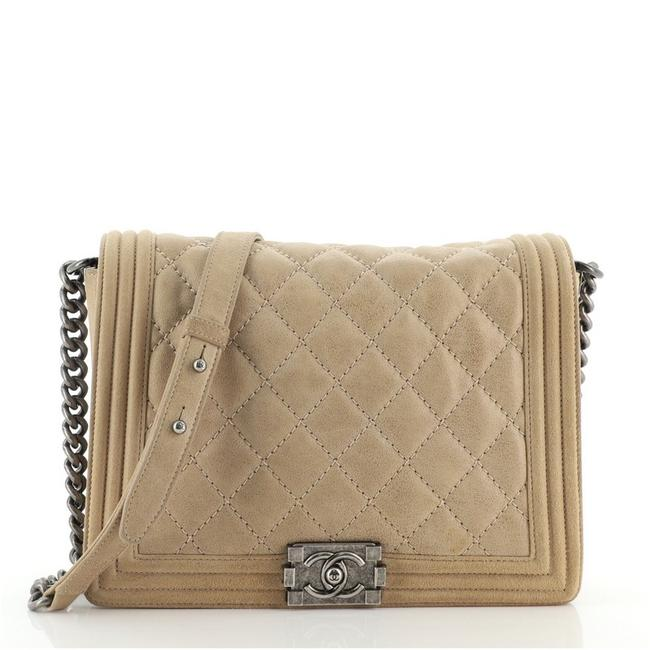 Item - Classic Flap Boy Stitch Quilted Large Brown Nubuck Cross Body Bag