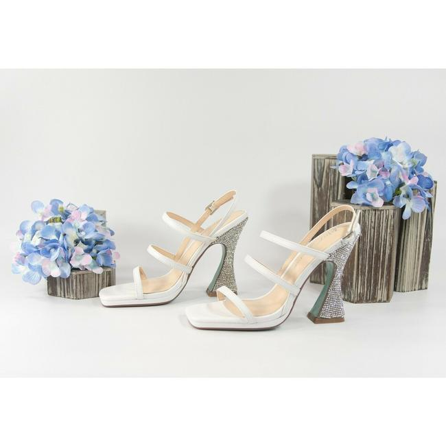Item - White Pacey Leather Crystal Tulip Pumps Size US 7.5 Regular (M, B)