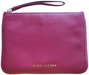 Marc Jacobs Designer Luxury Pouch Clutch Pebbled Leather Wristlet in Pink