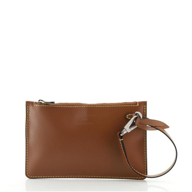 Item - Neverfull Pochette Nomade Small Brown Leather Clutch