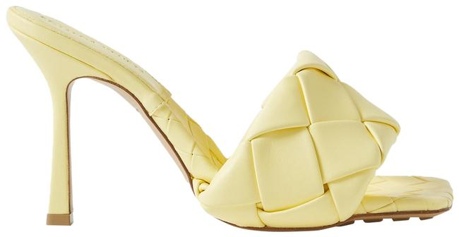 Item - Pastel Yellow Intrecciato Leather Mules/Slides Size EU 37.5 (Approx. US 7.5) Regular (M, B)