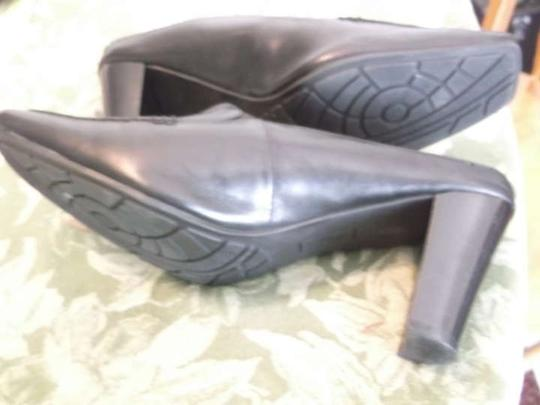 Bandolino Leather High Heel Size 8 Black Formal