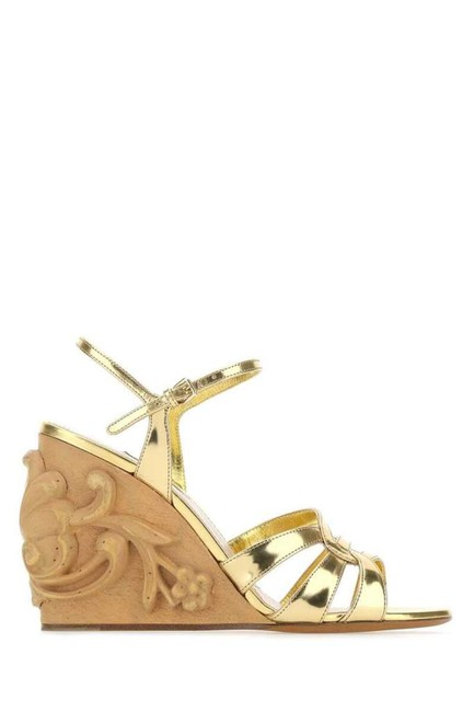 Item - Gold-tone Carved Wedge Sandals Size EU 38.5 (Approx. US 8.5) Regular (M, B)