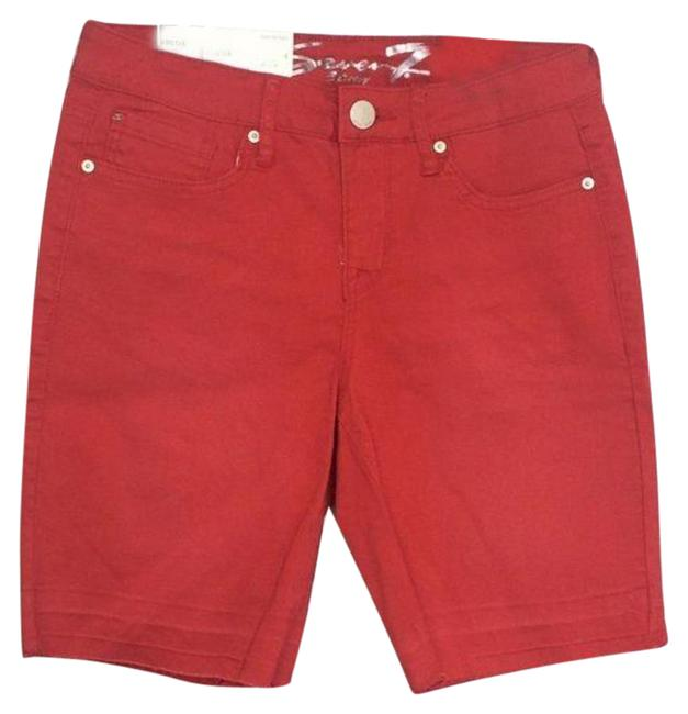 Item - Red Weekend Jean Shorts Size 4 (S, 27)