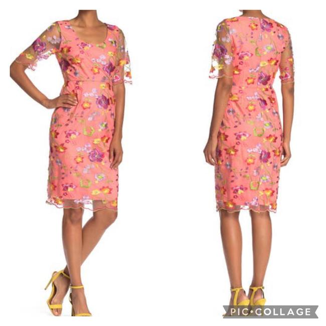 Item - Embroidered Mid-length Short Casual Dress Size 10 (M)