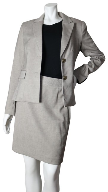 Item - Beige Two-button Skirt Suit Size 8 (M)