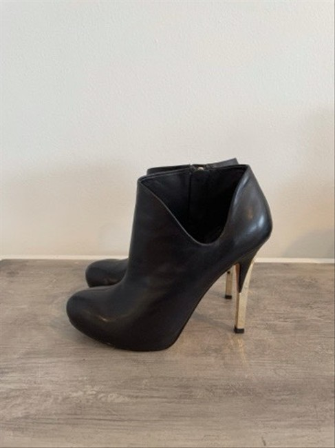 Guess By Marciano Black Ankle Cut-out Boots/Booties Size US 5 Regular (M, B) Guess By Marciano Black Ankle Cut-out Boots/Booties Size US 5 Regular (M, B) Image 4