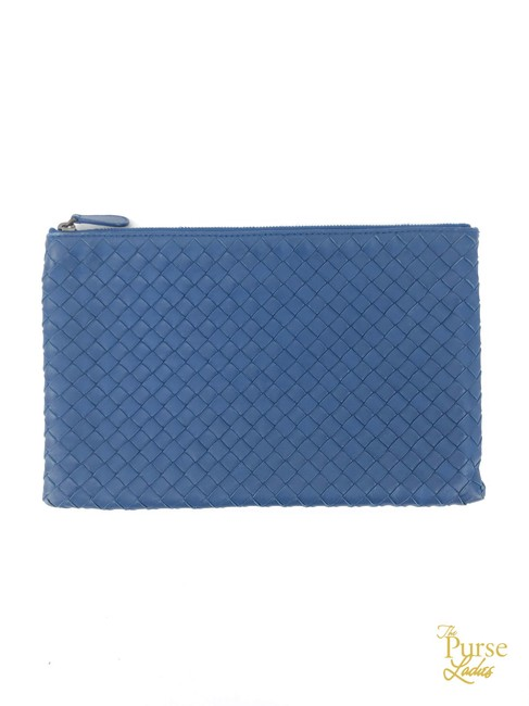 Item - Intrecciato Woven Pouch #34534 Blue Lambskin Leather Clutch
