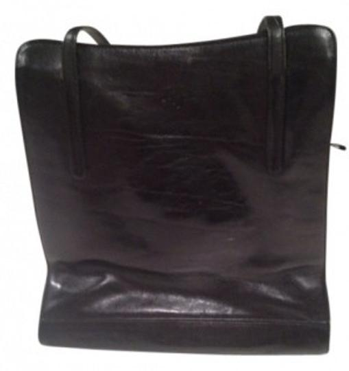 Preload https://item2.tradesy.com/images/with-strap-black-leather-shoulder-bag-29026-0-0.jpg?width=440&height=440