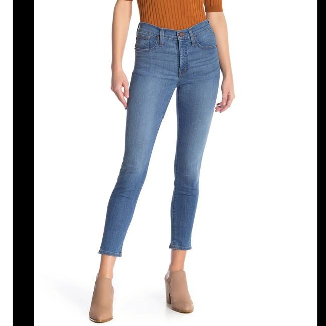 """Item - Blue Light Wash 9"""" High Rise Crop Skinny Jeans Size 26 (2, XS)"""