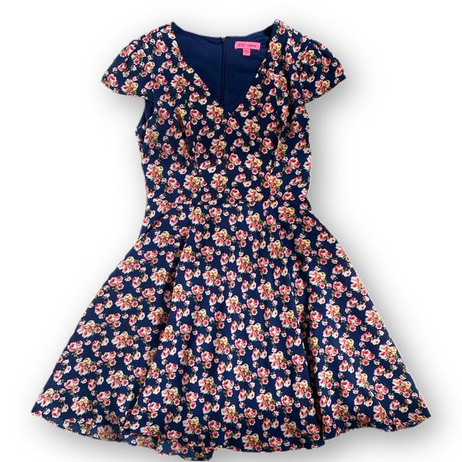 Item - Floral Fit and Flare Short Casual Dress Size 6 (S)