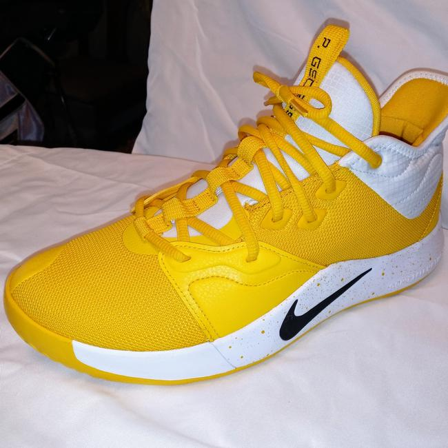 Item - Yellow and White and Black Pb 3 Sneakers Size US 10 Regular (M, B)