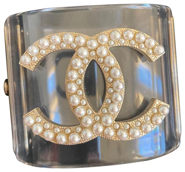 Item - Antique Gold and White Pearls Cuff with Logo Studded With Bracelet