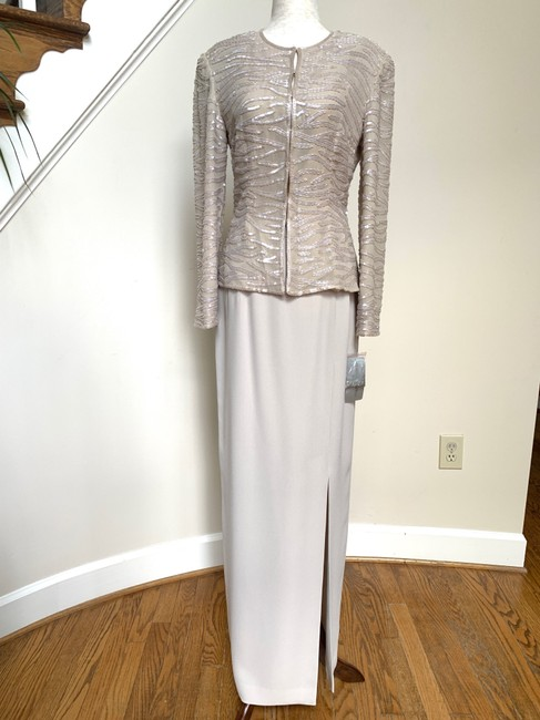 Item - Ivory Silk Sequined Jacket and Skirt Formal Bridesmaid/Mob Dress Size 4 (S)