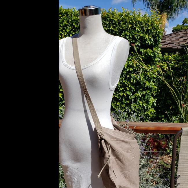 Item - Vintage Taupe Textured Leather Cross Body Bag