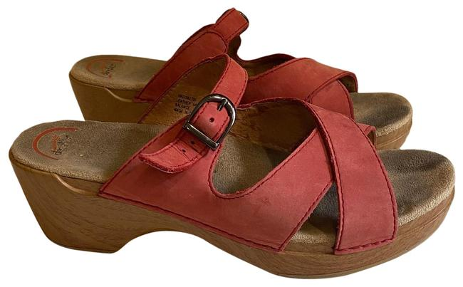 Item - Red Coral Sandals Size US 9.5 Regular (M, B)