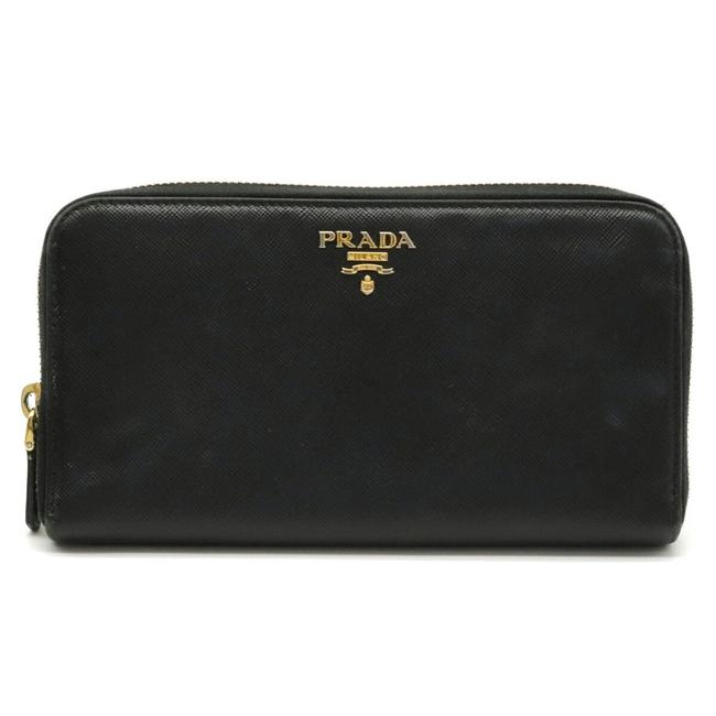 Item - Black / Nero Round Zipper Saffiano Leather Embossed Gold Metal Fittings 1ml506 Wallet
