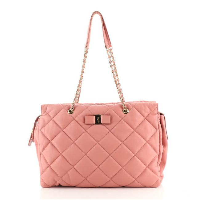 Item - Ginette Chain Quilted Large Pink Leather Shoulder Bag