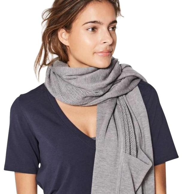 Item - Gray In The Studio Scarf Activewear Gear Size OS (one size)