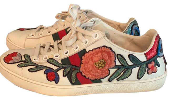 Item - White with Florals On The Sneakers Size US 8 Regular (M, B)