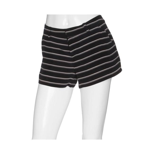 Item - Black and White Mid-rise Shorts Size 6 (S, 28)