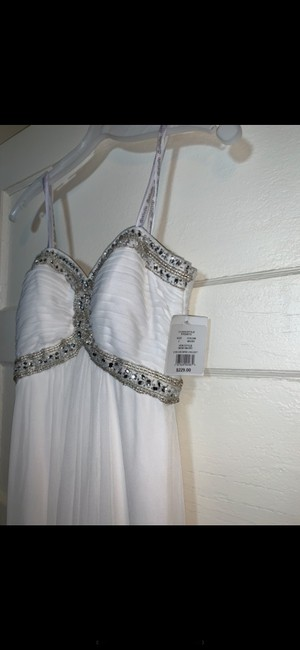 Item - Ivory Strapless Gown Formal Bridesmaid/Mob Dress Size 2 (XS)