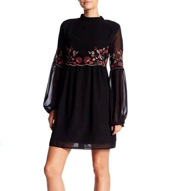 Item - Embroidered Cocktail Dress Size 8 (M)