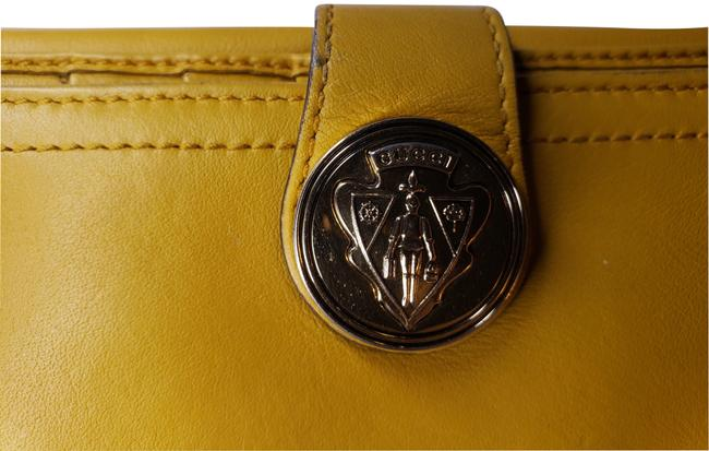 Gucci Mustard Yellow Leather with Crest Wallet Gucci Mustard Yellow Leather with Crest Wallet Image 2