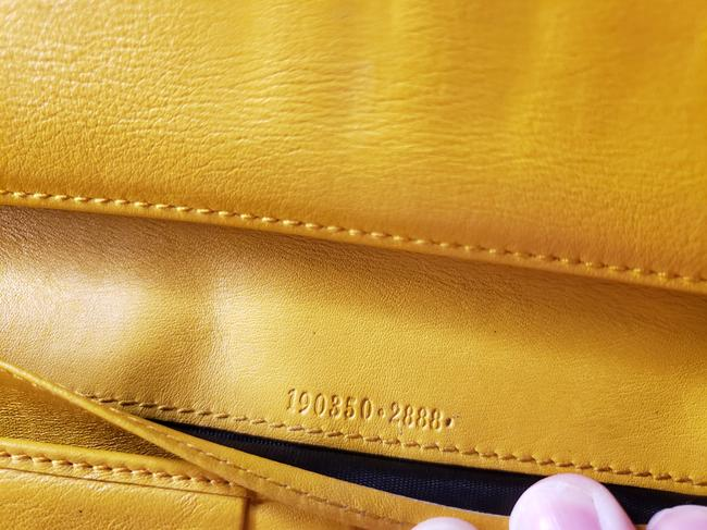 Gucci Mustard Yellow Leather with Crest Wallet Gucci Mustard Yellow Leather with Crest Wallet Image 11