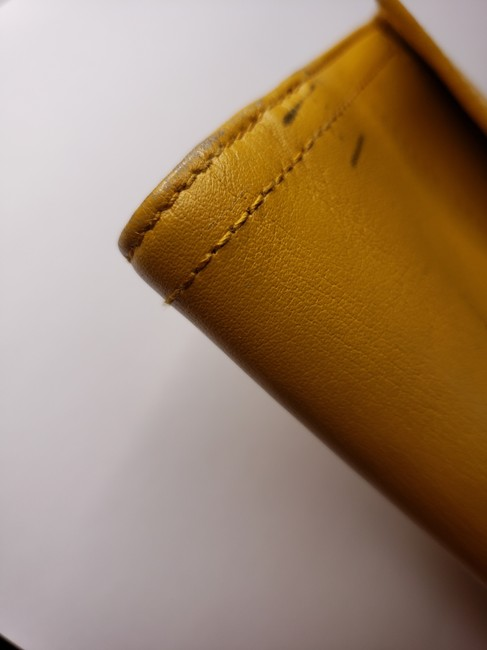 Gucci Mustard Yellow Leather with Crest Wallet Gucci Mustard Yellow Leather with Crest Wallet Image 3